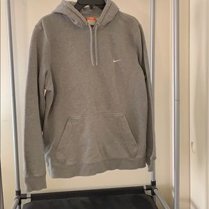 Nike ✔️ hoodie.